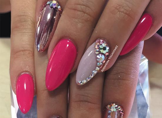 efectos con uñas decoradas con cristales en guadalajara